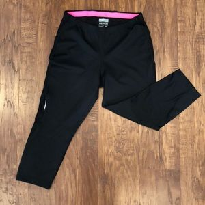 95bd4c9d849ad ... New Balance Black calf length athletic leggings ...
